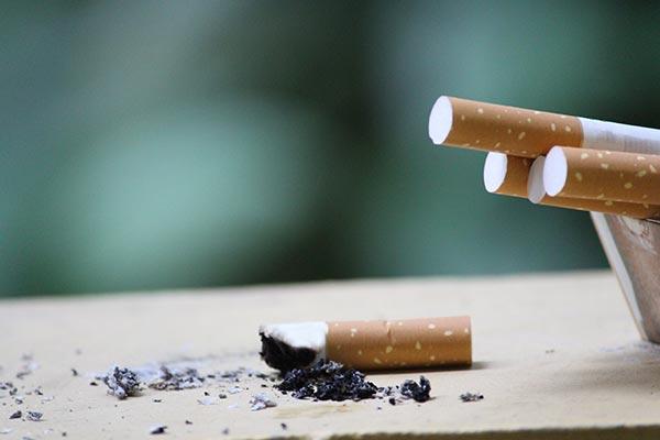 เลิกบุหรี่ ใช้ smoke out